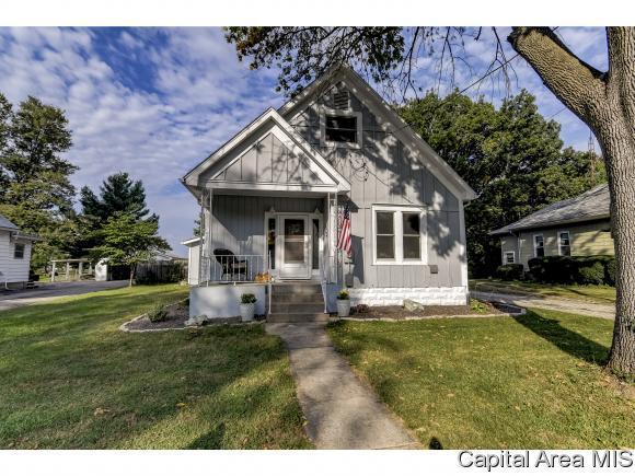 401 N Walnut St, Rochester, IL 62563 (MLS #186572) :: Killebrew & Co Real Estate Team