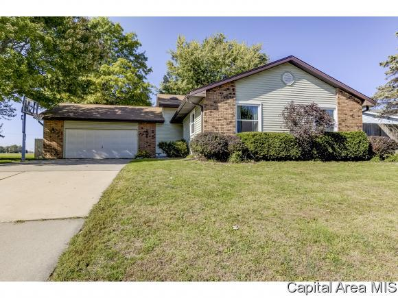 821 Stonehill Dr, Sherman, IL 62684 (MLS #186783) :: Killebrew & Co Real Estate Team