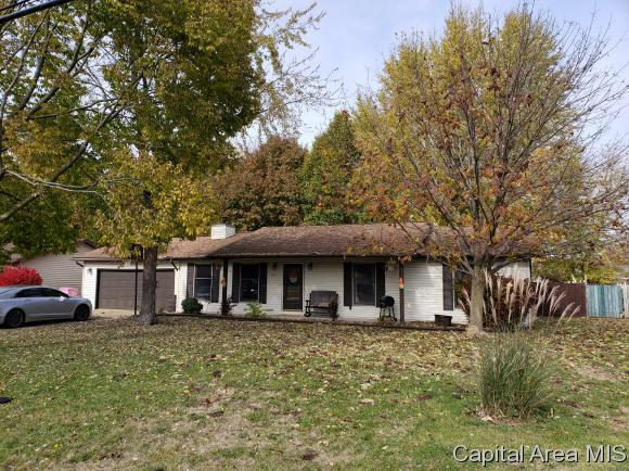 991 E Lincoln St, Riverton, IL 62561 (MLS #187107) :: Killebrew RE