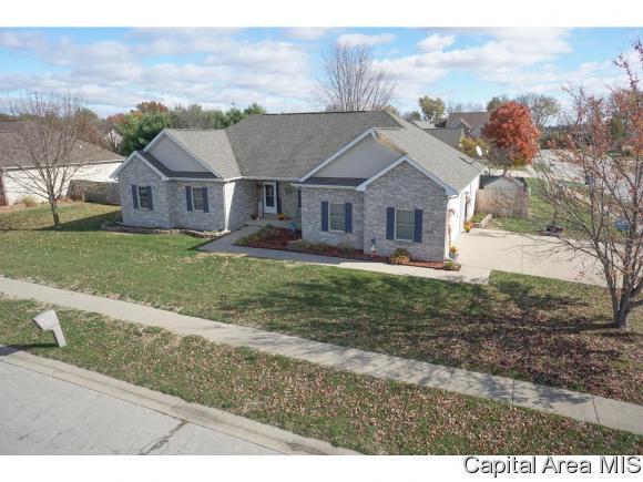 412 Burberry, Rochester, IL 62563 (MLS #187154) :: Killebrew & Co Real Estate Team