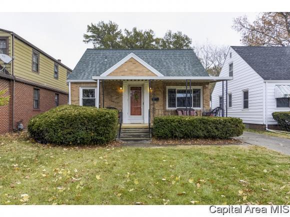 2304 S Whittier Ave, Springfield, IL 62704 (MLS #187281) :: Killebrew & Co Real Estate Team