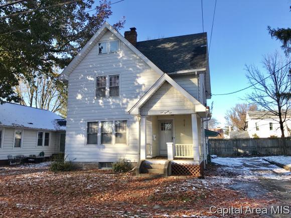 126 W Chambers St, Jacksonville, IL 62650 (MLS #187285) :: Killebrew & Co Real Estate Team