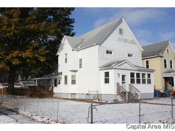 1801 N 9TH ST, Springfield, IL 62702 (MLS #187289) :: Killebrew & Co Real Estate Team