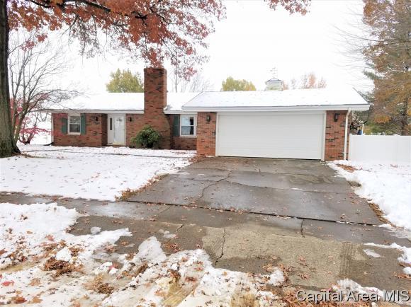 34 Northridge Drive, Sherman, IL 62684 (MLS #187321) :: Killebrew RE
