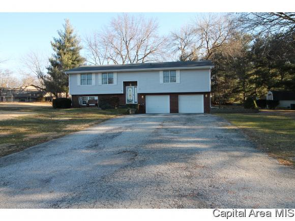 31 Mayhue, Riverton, IL 62561 (MLS #190239) :: Killebrew RE