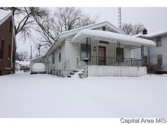 2625 S 9TH ST, Springfield, IL 62703 (MLS #190263) :: Killebrew RE