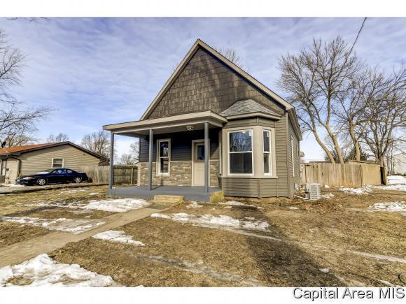 726 W North St, Auburn, IL 62615 (MLS #190454) :: Killebrew - Real Estate Group