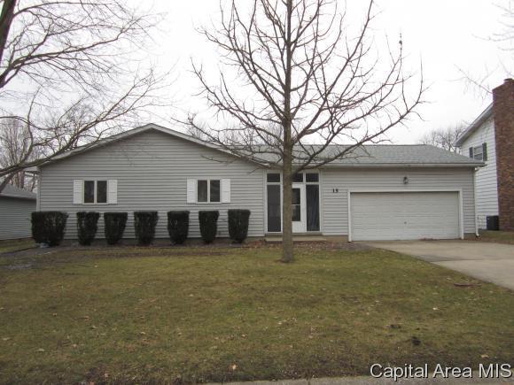 15 Hawthorn Ln, Pleasant Plains, IL 62677 (MLS #190909) :: Killebrew - Real Estate Group