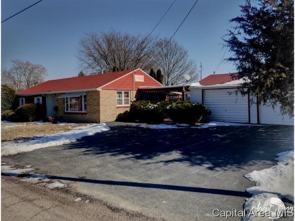 443 Irwin, Galesburg, IL 61401 (MLS #191049) :: Killebrew - Real Estate Group