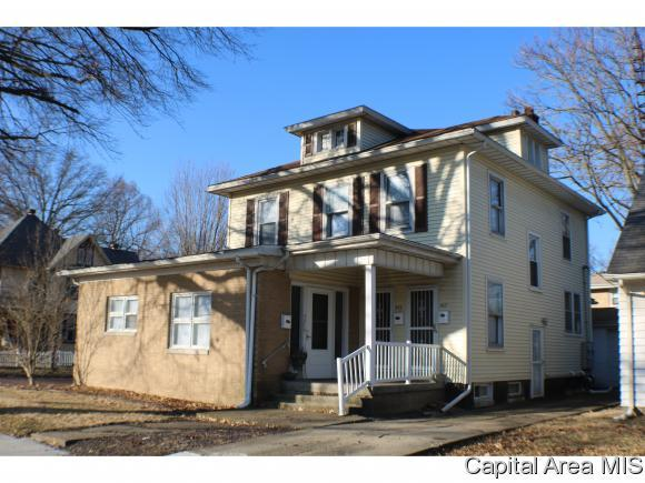 421 S Glenwood Ave, Springfield, IL 62704 (MLS #191051) :: Killebrew - Real Estate Group