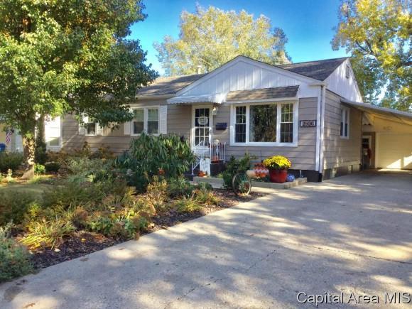 2806 S Lincoln, Springfield, IL 62704 (MLS #191055) :: Killebrew - Real Estate Group