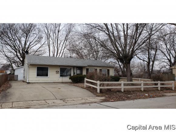 1961 Gregory Court, Springfield, IL 62703 (MLS #191057) :: Killebrew - Real Estate Group