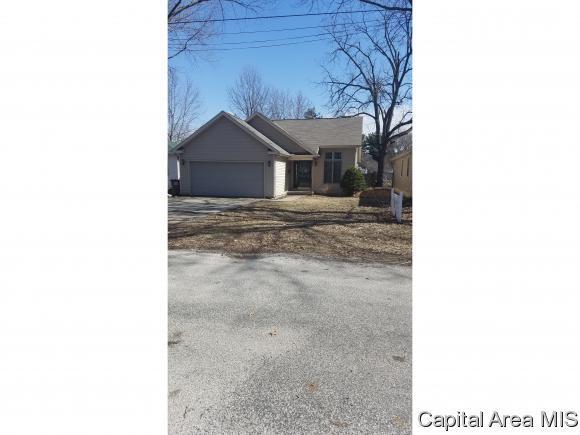 407 S 7th Street, Auburn, IL 62615 (MLS #191455) :: Killebrew - Real Estate Group