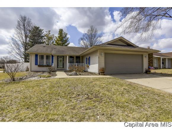 213 Westbrook Dr, Springfield, IL 62702 (MLS #191587) :: Killebrew - Real Estate Group
