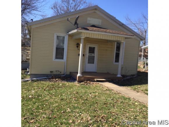 421 S 10TH ST, Petersburg, IL 62675 (MLS #191726) :: Killebrew - Real Estate Group