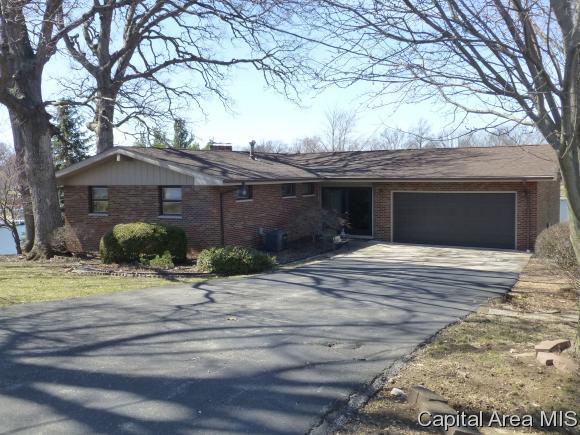 811 Poplar Loop, Petersburg, IL 62675 (MLS #192312) :: Killebrew - Real Estate Group