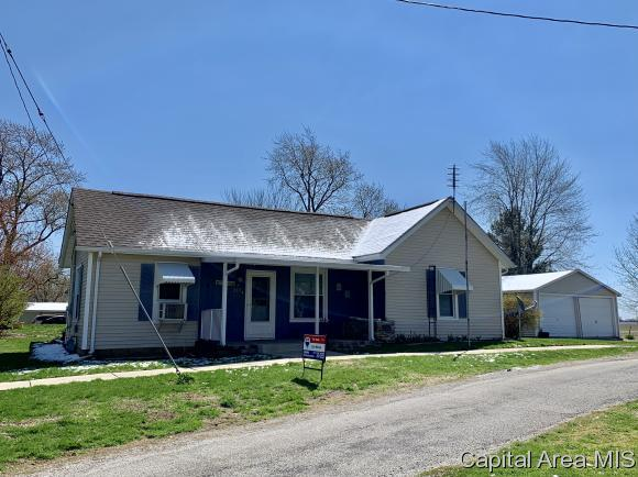 337 S Railroad Street, Greenview, IL 62642 (MLS #192316) :: Killebrew - Real Estate Group