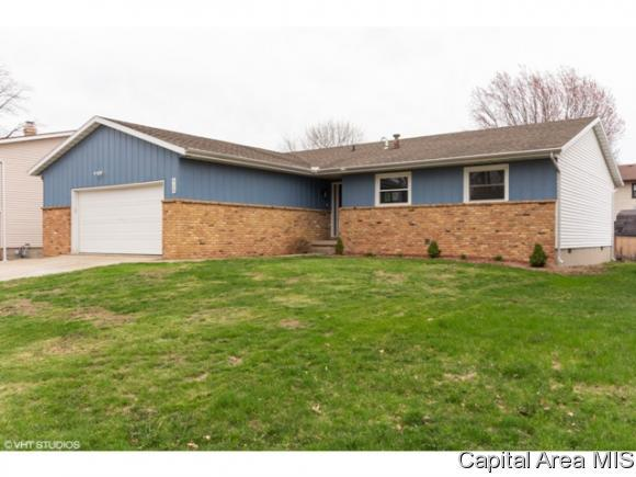 928 S Jefferson Drive, Decatur, IL 62521 (MLS #192408) :: Killebrew - Real Estate Group