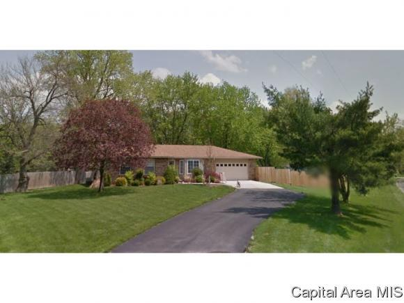 7032 Ramblewood, Rochester, IL 62563 (MLS #192542) :: Killebrew - Real Estate Group