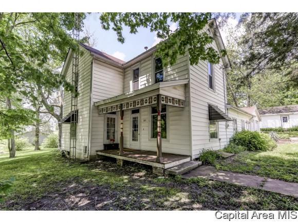 401 W Main St, Pleasant Plains, IL 62677 (MLS #193021) :: Killebrew - Real Estate Group