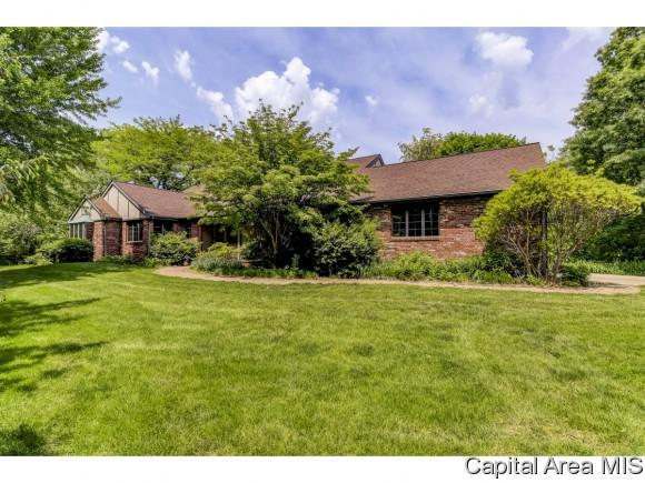 4818 Oak Hill Rd, Rochester, IL 62563 (MLS #193145) :: Killebrew - Real Estate Group