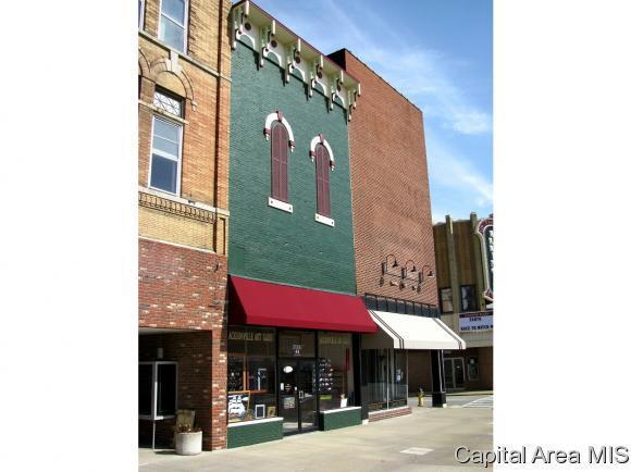 54 N Central Park Plz, Jacksonville, IL 62650 (MLS #177406) :: Killebrew & Co Real Estate Team