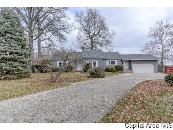 42 N Fox Mill Ln, Springfield, IL 62712 (MLS #181195) :: Killebrew & Co Real Estate Team