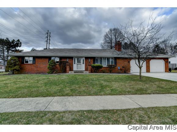1300 Merion Dr, Springfield, IL 62704 (MLS #181197) :: Killebrew & Co Real Estate Team