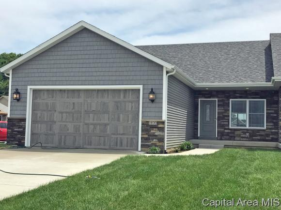1400 Winston Dr, Springfield, IL 62711 (MLS #181430) :: Killebrew & Co Real Estate Team