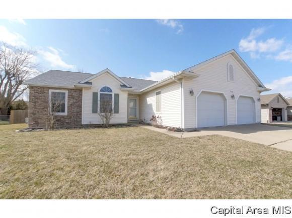 1119 Acacia Ln, Chatham, IL 62629 (MLS #181431) :: Killebrew & Co Real Estate Team