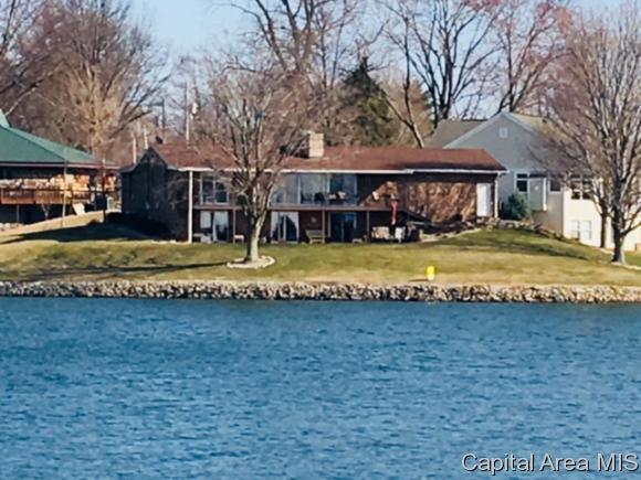 824 Poplar Lane, Petersburg, IL 62675 (MLS #181551) :: Killebrew & Co Real Estate Team