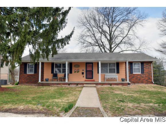 39 Bonniebrook Rd, Chatham, IL 62629 (MLS #181691) :: Killebrew & Co Real Estate Team