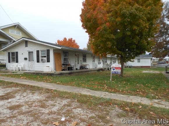 228 & 229 W Jefferson St, Pittsfield, IL 62363 (MLS #181945) :: Killebrew & Co Real Estate Team