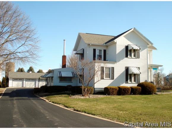 101 E Ontario Road, Oneida, IL 61467 (MLS #182005) :: Killebrew & Co Real Estate Team