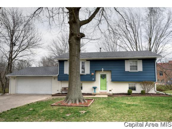 2 Groton Dr, Springfield, IL 62702 (MLS #182191) :: Killebrew & Co Real Estate Team