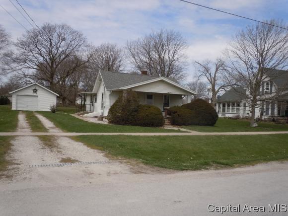 270 S Chamberlain, ROSEVILLE, IL 61473 (MLS #182358) :: Killebrew & Co Real Estate Team