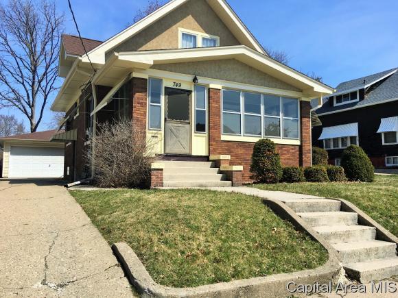 749 Warren St., Galesburg, IL 61401 (MLS #182377) :: Killebrew & Co Real Estate Team