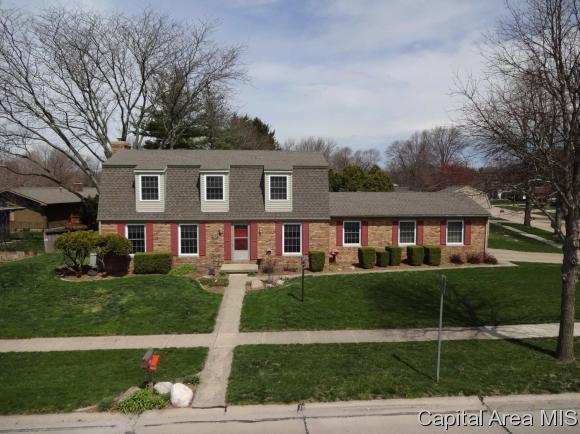 1202 Harrington Dr, Champaign, IL 61821 (MLS #182401) :: Killebrew & Co Real Estate Team