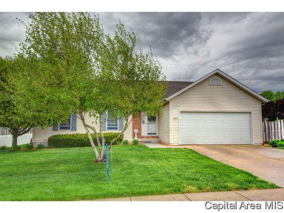 2800 Warrior Blvd, Springfield, IL 62712 (MLS #182770) :: Killebrew & Co Real Estate Team