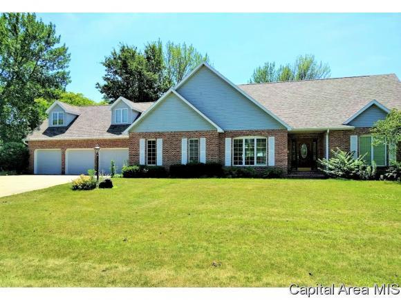 524 Goodsill Drive, E. Galesburg, IL 61430 (MLS #183616) :: Killebrew & Co Real Estate Team