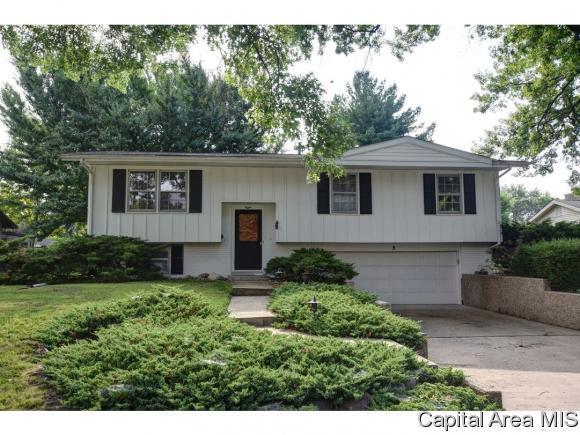 8 Oakmont Dr, Springfield, IL 62704 (MLS #184263) :: Killebrew & Co Real Estate Team