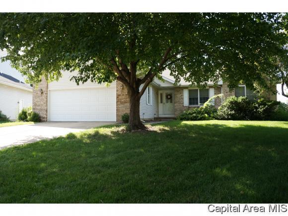3413 Elderberry Ln, Springfield, IL 62711 (MLS #184344) :: Killebrew & Co Real Estate Team