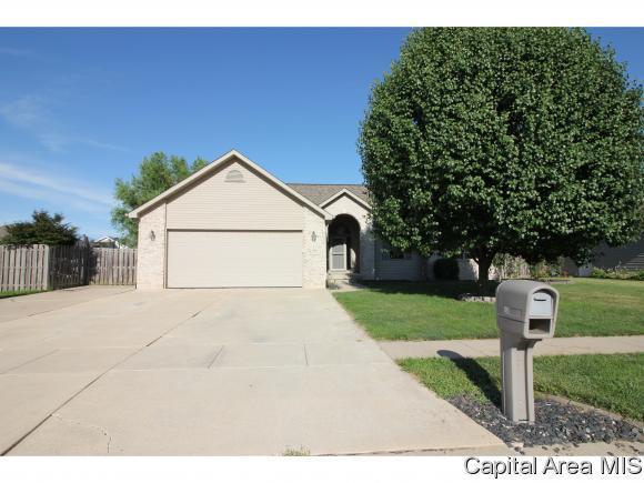 850 Timber Edge Dr, Sherman, IL 62684 (MLS #184588) :: Killebrew & Co Real Estate Team