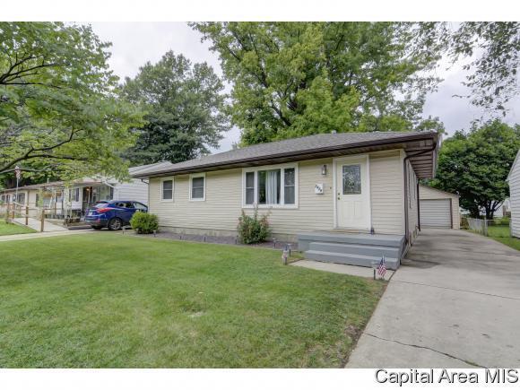 2429 Huntington Rd, Springfield, IL 62703 (MLS #184837) :: Killebrew & Co Real Estate Team