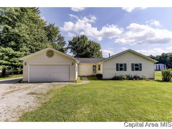 8404 Breezy Meadows Dr, Riverton, IL 62561 (MLS #184939) :: Killebrew RE