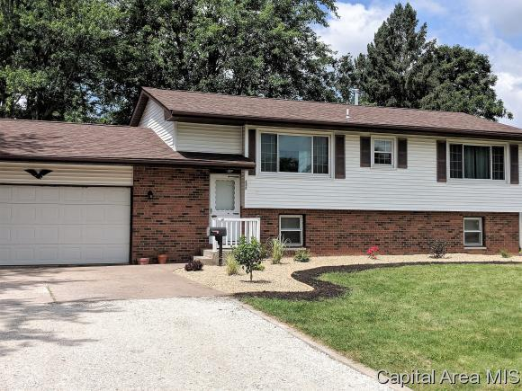 612 Sheridan, Knoxville, IL 61448 (MLS #184945) :: Killebrew & Co Real Estate Team