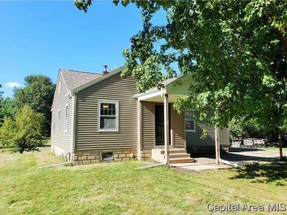 605 W. Pearl St., Abingdon, IL 61410 (MLS #185015) :: Killebrew & Co Real Estate Team