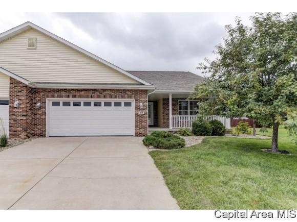 513 Bristol Ct, Rochester, IL 62563 (MLS #185445) :: Killebrew & Co Real Estate Team