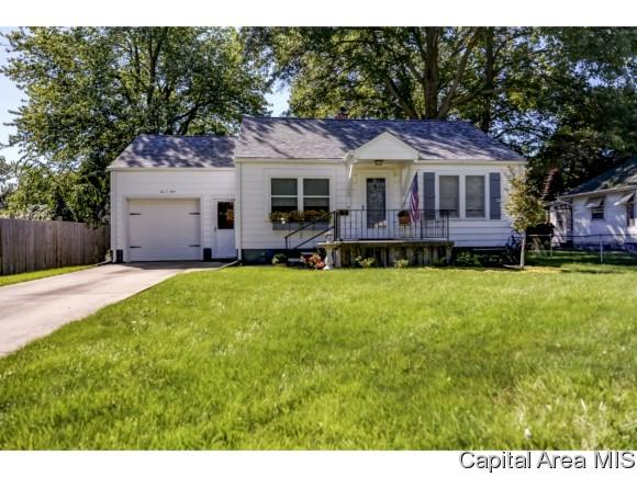 1004 W Franklin St., Taylorville, IL 62568 (MLS #186099) :: Killebrew & Co Real Estate Team