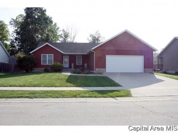 1106 Dina Dr, Riverton, IL 62561 (MLS #186410) :: Killebrew & Co Real Estate Team